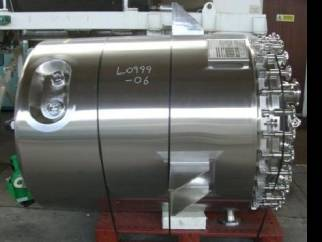 Used 1200 litre 316L stainless steel reactor